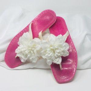 Kate Spade Floral flip flops! Size 9 ⭐️